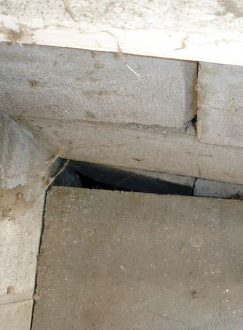 inward rotation of a foundation wall damaged by street creep in a garage in Altona