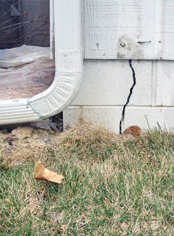 foundation wall cracks due to street creep in Gimli